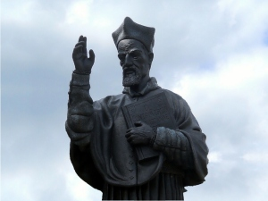 Cardinal Robert Bellarmine Stature on Campus